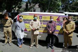 Foto - Gubernur Gorontalo lepas stok gula pasir ke pasar