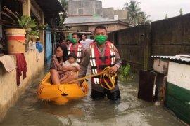 Polda Sumut bantu korban banjir di Kota Medan