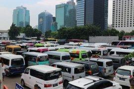 Sebanyak 202 kendaraan travel gelap yang nekad angkut pemudik dikandangkan