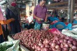 Harga bawang merah capai Rp60 ribu per kilogram