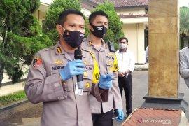 Polisi tetapkan 4 orang tolak korban COVID-19 jadi tersangka