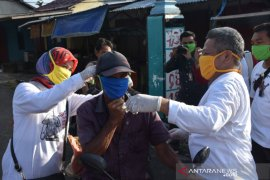 Pemkab Kubu Raya perbanyak pembagian masker kain cegah COVID-19