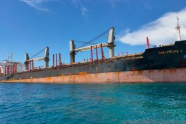 Singapore-flagged vessel grounded in Belitung due to human error