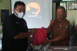 105 guru honorer SLB di Garut terima bantuan pangan dari PDI Perjuangan