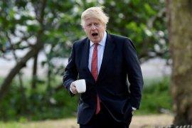 PM Inggris Johnson bakal akhiri ketergantungan impor alat medis China