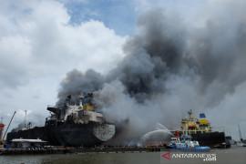 Kronologis kapal tanker terbakar di Pelabuhan Belawan