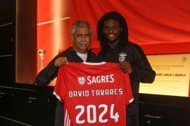 Gelandang Benfica David positif COVID-19