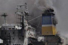 Kapal tanker di Pelabuhan Belawan terbakar, sedikitnya 12 pekerja terluka