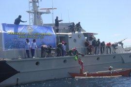 """Peduli Kasih COVID-19"" Lantamal VIII sentuh nelayan Teluk Manado"