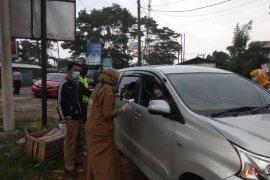 Petugas posko perbatasan cegah pemudik wilayah merah masuk Kabupaten Lebak
