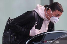 "Zlatan Ibrahimovic kembali ke Milan sambil berujar ""God iZ back"""