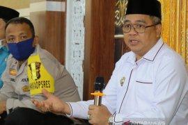 Hindari penerima ganda, Bupati Aceh Barat minta PT Pos Indonesia tunda penyaluran BST