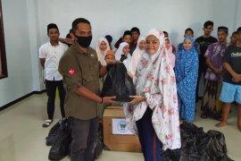 WCS serahkan 125 paket bantuan untuk anak terdampak COVID-19 di Ternate