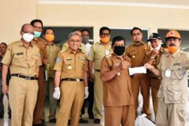 Ke Pulau Bala-balakang, Sulbar salurkan 557 paket kebutuhan pokok