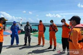 Nelayan selamatkan empat awak kapal terbakar di perairan  Morowali