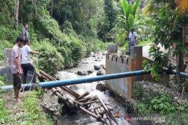Bupati tinjau jembatan rusak di Desa Aek Mata