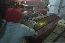Jenazah korban kapal tanker terbakar di Belawan diserahkan kepada keluarga