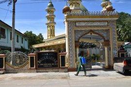 Pemkot Sibolga kembali semprot masjid dan fasilitas umum