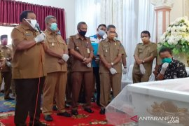 Wali Kota sampaikan ucapan duka atas meninggalnya abang Wakil Bupati Tapteng