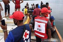 PMI bantu evakuasi pesawat jatuh milik MAF di Danau Sentani Papua