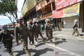 Patroli Penerapan Aturan PSBB Di Kota Banjarmasin
