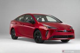 Toyota rayakan ultah ke-20 Prius dengan edisi khusus serba merah