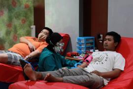 Warga antusias ikut donor darah di PMI Kediri