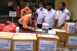 Pemkot Padangsidimpuan terima paket sembako dan alat medis dari Tambang Emas Martabe