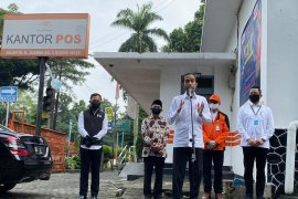 Presiden Jokowi minta warga yang belum terdaftar terima bansos untuk lapor