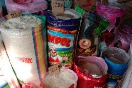 Harga beras antarpulau di Kota Ambon normal
