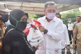 Kemensos bagikan 70.224 paket sembako Presiden ke tujuh kecamatan di Bogor