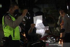 Pemberlakuan Jam Malam di Pos PSBB Ahmad Yani