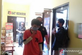Sebarkan video asusila mantan istri, AB diamankan polisi Singkawang