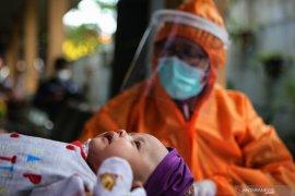 Bayi sembilan bulan di Kediri terinfeksi virus corona