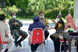 Hasil tes cepat reaktif, 265 warga Surabaya diisolasi di hotel