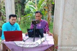 Tenaga pendidik Jambi ajarkan wali murid pembelajaran daring