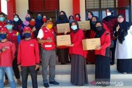 IWSS Penajam serahkan bantuan 650 masker ke PMI