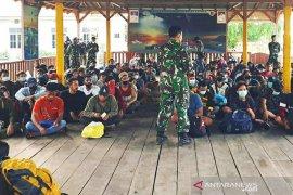 """Lewat jalur """"tikus"""", 876 TKI ditangkap Satgas Pamtas RI-Malaysia"""