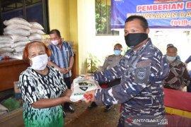 Bansos COVID-19 tahap I di Kelurahan Aek Muara Pinang disalurkan