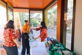 KBRI Canberra kembali bagikan sembako untuk WNI