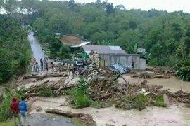 Curah hujan tinggi, banjir dan longsor terjadi di Bener Meriah