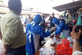Delapan pedagang di Pasar Pagi Putussibau jalani rapid test