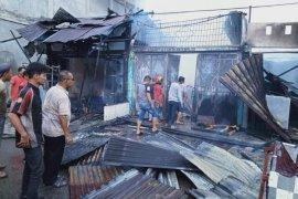 Lima ruko milik warga Medang Ara Abdya terbakar