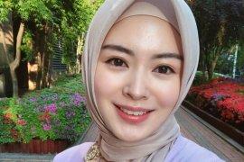 Selebgram cantik Ayana Jihye Moon kini tak sendiri jalani Ramadhan