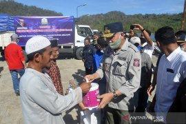 Bantuan untuk korban puting beliung Pulau Aceh