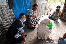 Kapolda Jambi antarkan langsung paket sembako bagi warga kurang mampu