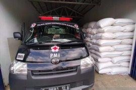 PMI Kota Sukabumi salurkan beras untuk warga terdampak COVID-19