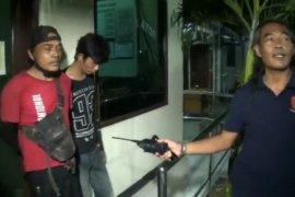 Dua pelaku pencuri bahan bangunan renovasi Puskesmas ditangkap polisi saat sedang beraksi