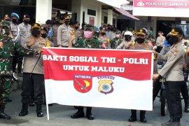 TNI-Polri salurkan 8.870 paket bantuan bakon pokok ke warga terdampak COVID-19