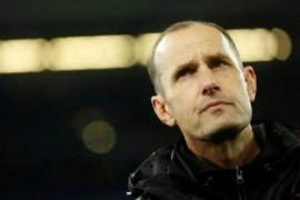 Gegara pasta gigi, pelatih Augsburg absen saat Bundesliga dimulai